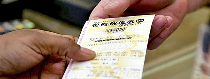 10 lietas, ko tev nekad nevajadzētu darīt, ja vinnētu loterijā